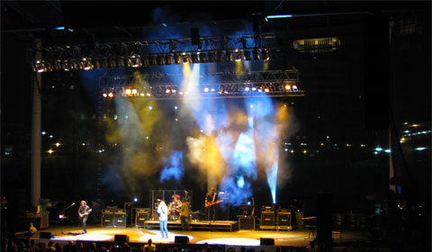 Modest light show for a famous band . . . but the setting made up for it