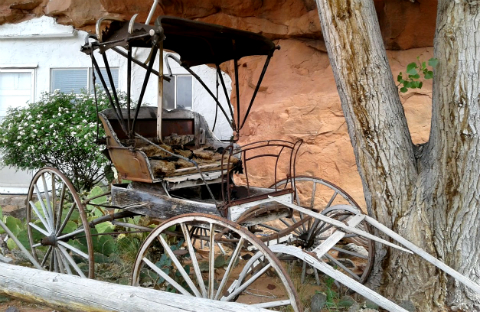 Antique carriage, Hole in the Rock, Utah