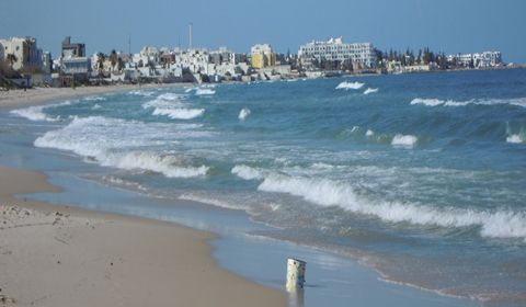 Mediterranean-Colors-Sousse-frothy-waves