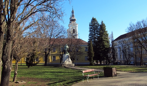 Mindszent Square with the Roman Catholic Church in the background