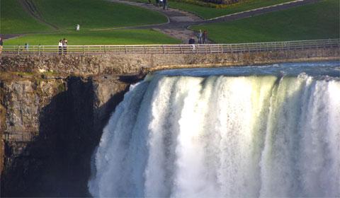 Horseshoe Falls in close-up