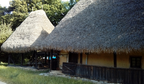 Old village houses used to have straw roofs