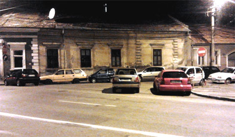 Corner parking