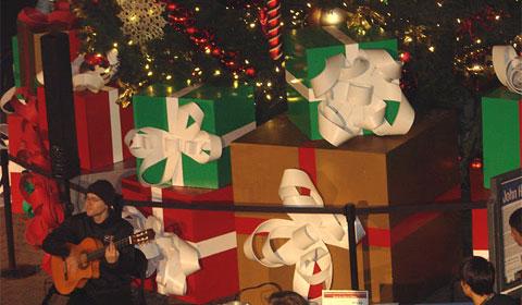 Christmas guitarist