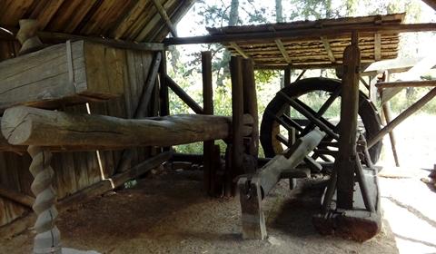 Traditional machinery