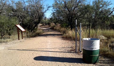 Landmarks you'll need to help you find the labyrinth, Rio Vista Park, Tucson, Arizona