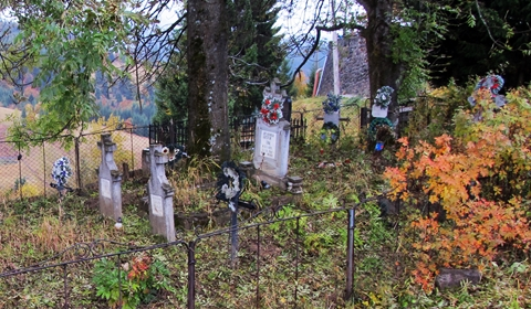 The graveyard at Hotel Castel Dracula