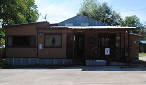 The front porch of The Chuckwagon Cafe