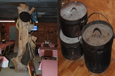 Coat hanging tree Authentic cast-iron cooking pots